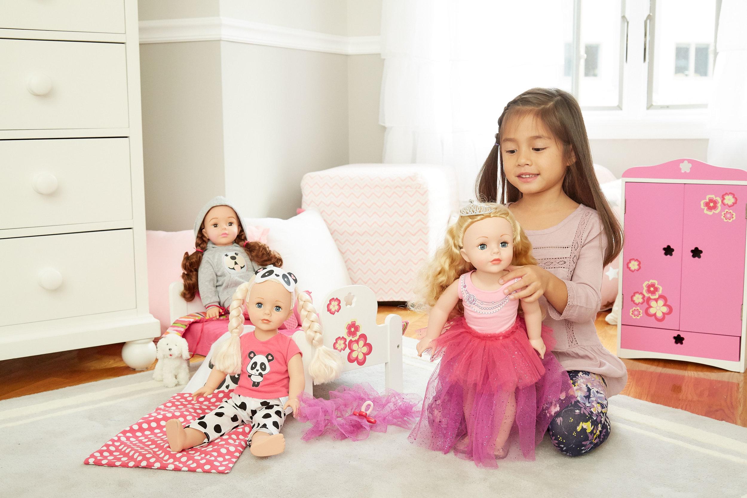 چیدمان اتاق کودک و مرتب کردن عروسک ها | بامبینو
